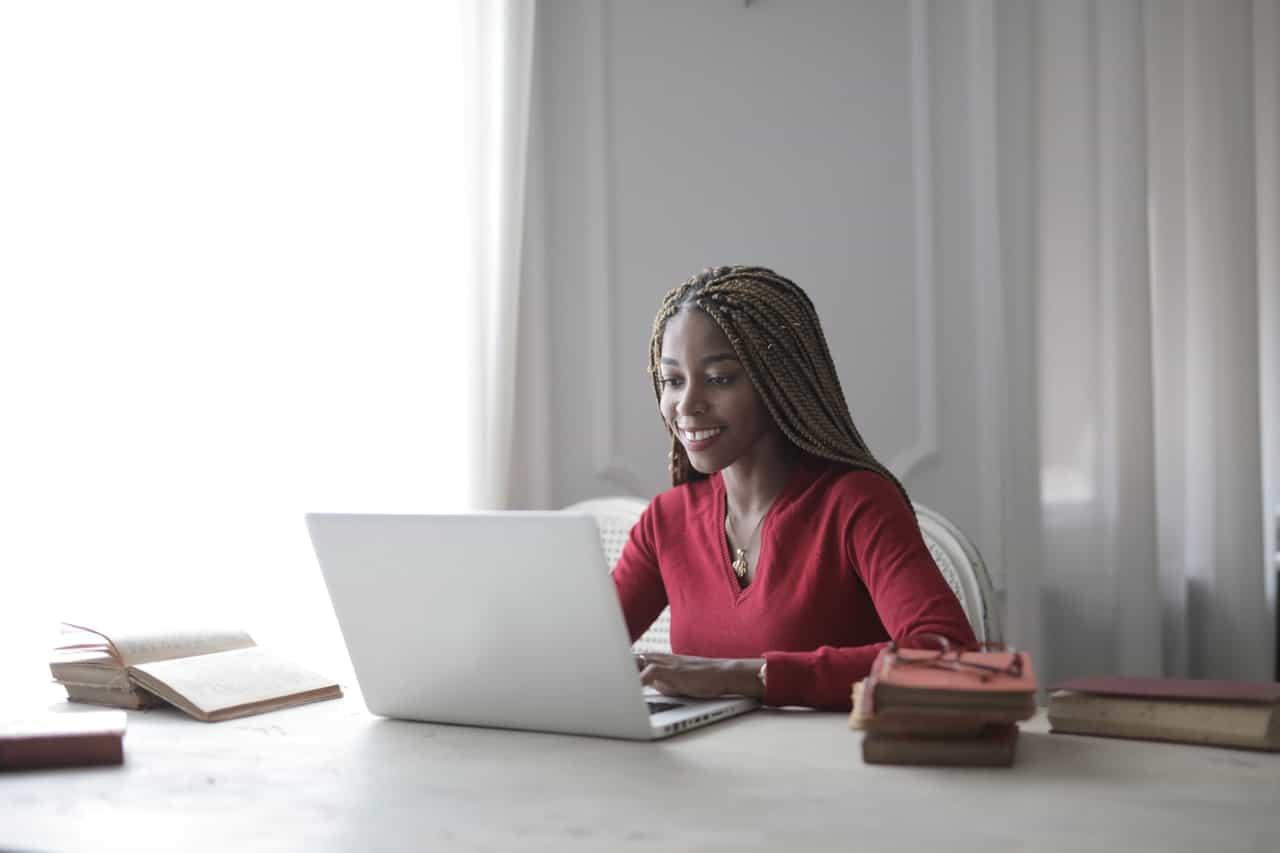 Como ser mais produtivo em home office: 10 dicas práticas